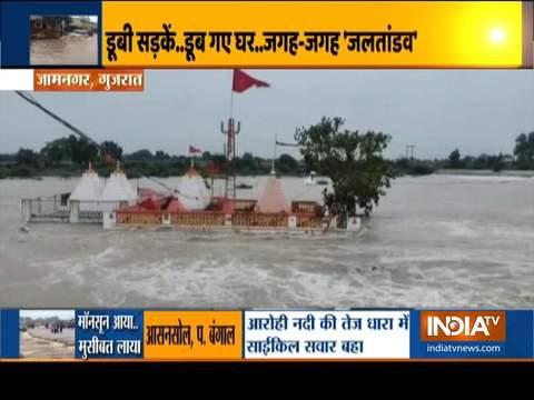 भारी बारिश से गुजरात के कुछ हिस्सों में बाढ़ जैसी स्थिति