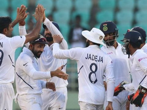 1st Test, Day 2: Spinners run riot after Mayank's double ton as India dominate South Africa
