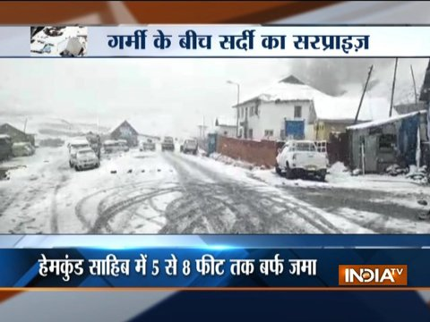 Heavy snowfall in Kashmir and Himachal Pradesh