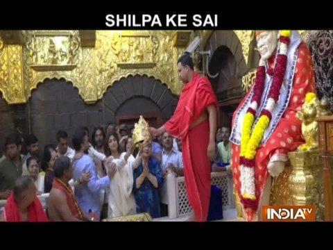 शिल्पा शेट्टी ने शिरडी के सांई बाबा को चढ़ाया सोने का मुकुट