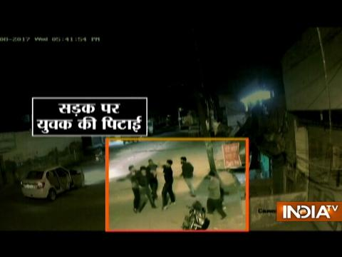 Goons thrash youth standing along side of the road in Amritsar