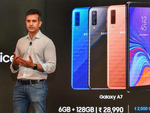 सैमसंग ने भारत में लॉन्च किया अपना पहला तीन कैमरे वाला स्मार्टफोन