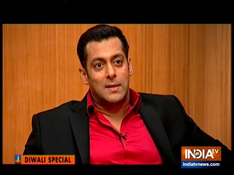 आप की अदालत: दिवाली स्पेशल एपिसोड में देखिए टीवी का सुपरहिट शो आप की अदालत में सलमान खान की धमाकेदार एंट्री