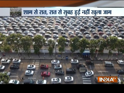 China: 11,000-car traffic jam shows thousands of cars stuck in Hainan Island