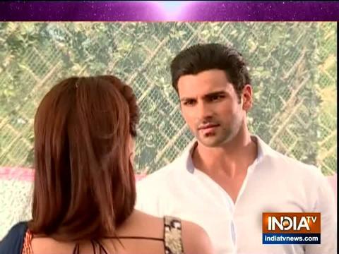 Sanjana tries to seduce Raghav in Qayamat Ki Raat