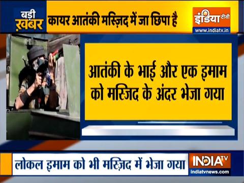 जम्मू-कश्मीर के त्राल और शोपियां में दो अलग-अलग एनकाउंटर में सुरक्षाबलों ने किया पांच आतंकवादियों को ढेर