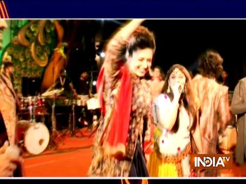 नागपुर में एक कार्यक्रम के दौरान दिव्यांका त्रिपाठी ने किया गरबा