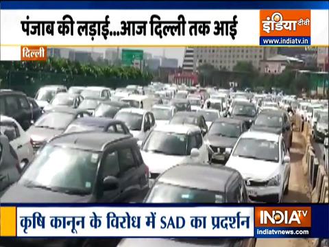 अकाली दल के प्रदर्शन का असर दिल्ली की सड़कों पर, आवाजाही में हो रहा अवरोध