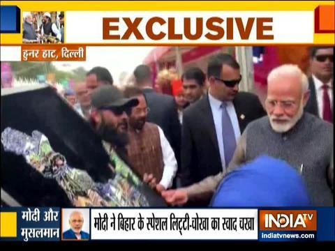 पीएम मोदी ने किया दिल्ली के हुनर हाट का दौरा