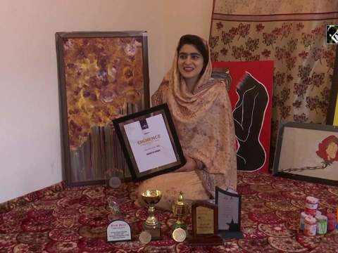 Kashmiri girl depicts 'life of woman' by her paintings