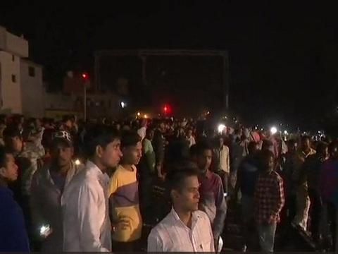 Amritsar train accident: रावण दहन देख रहे लोग ट्रेन की चपेट में आए, 50 से ज्यादा लोगों की मौत