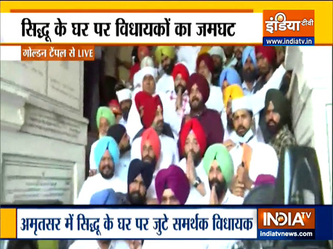 Sidhu hints at no apology to Amarinder Singh as he arrives at Golden temple with his supporters
