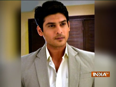 TV actor Sidharth Shukla rams his BMW into divider
