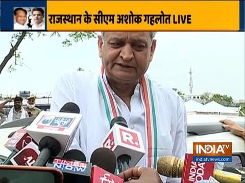 सीएम अशोक गहलोत ने कहा कि जयपुर में हॉर्स ट्रेडिंग की जा रही थी और डिप्टी सीएम खुद इसमें शामिल थे