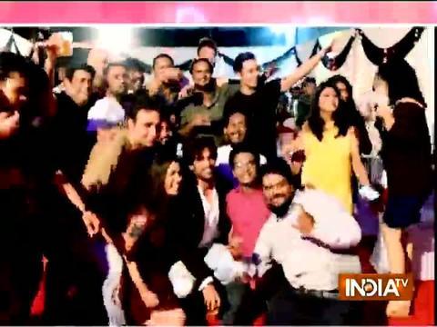 Star cast enjoys at Kulfi Kumar Baajewala screening