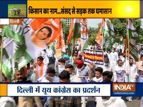 Youth Congress workers hold protest against Farm Bills in Delhi