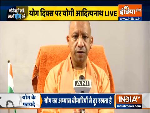 UP CM योगी आदित्यनाथ ने प्रदेश को योग दिवस की शुभकामनाएं दी