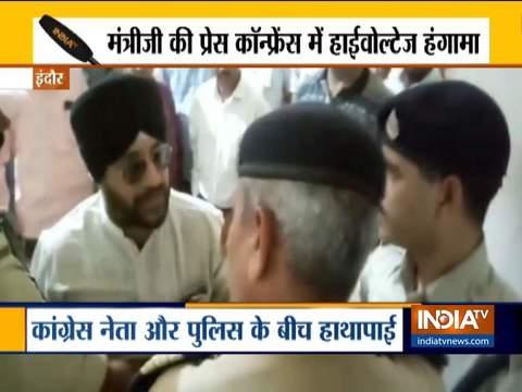 Indore: पीडब्ल्यूडी मंत्री सज्जन सिंह वर्मा की प्रेस कॉन्फ्रेंस के दौरान हंगामा