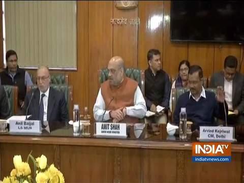 दिल्ली हिंसा: दिल्ली के सीएम अरविंद केजरीवाल, उपराज्यपाल अनिल बैजल के साथ अमित शाह की बैठक