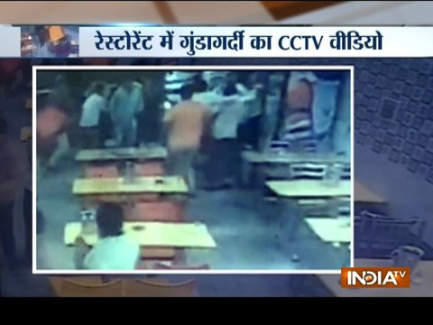 Delhi: Customers attack restaurant staff over bill payment dispute