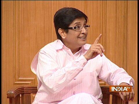 Kiran Bedi in Aap Ki Adalat (2013)