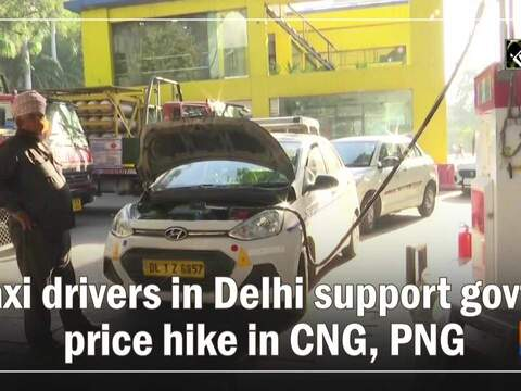 Taxi drivers in Delhi support govt's price hike in CNG, PNG