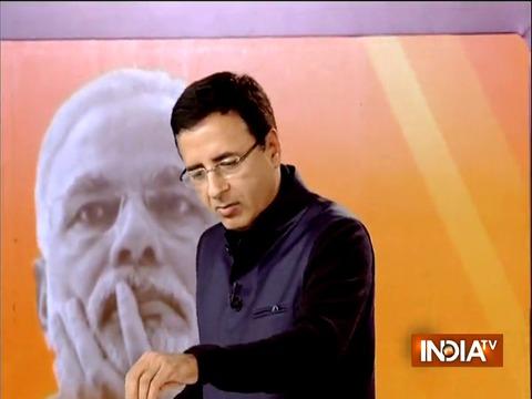 Randeep Surjewala takes a jibe at BJP says, मोदी नॉमिक्स+जेटली नॉमिक्स = जुमलानॉमिक्स