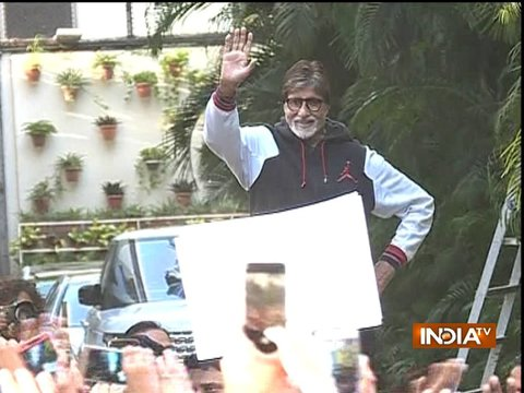 Amitabh Bachchan greets a sea of fans at Jalsa