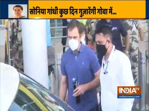 Congress interim president Sonia Gandhi and her son Rahul Gandhi arrive in Panaji