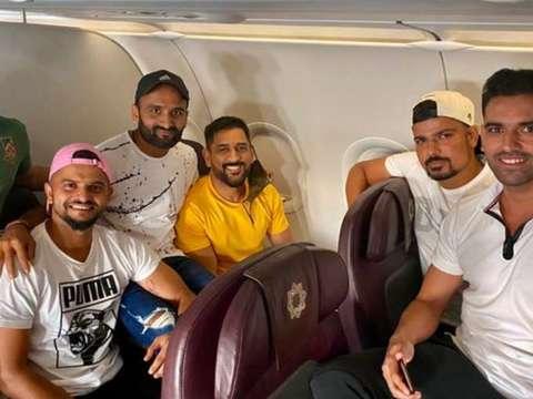 धोनी के साथ सुरेश रैना ने भी लिया क्रिकेट से संन्यास