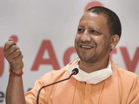 CM योगी ने रचा इतिहास, BSE में उत्तर भारत से पहला म्युनिसिपल बॉण्ड जारी