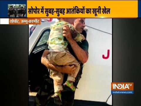 सोपोर में आतंकवादी हमले के दौरान पुलिस ने 3 वर्षीय बच्चे को बचाया