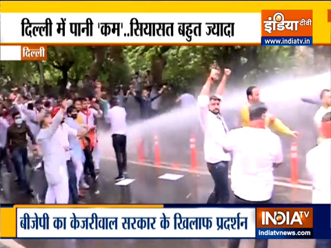 Delhi Police use water cannon against BJP workers protesting against Delhi govt over water crisis