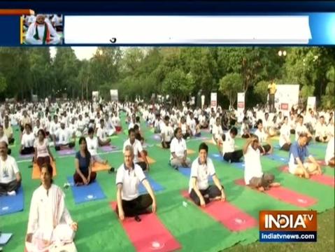 International Yoga Day 2019:Ravi Shankar Prasad and Piyush Goyal performs yoga in delhi