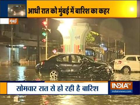 Heavy rain leads to water logging in parts of Mumbai