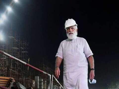 हक़ीक़त क्या है : पीएम मोदी की 8.45pm वाली विजिट का पूरा सच