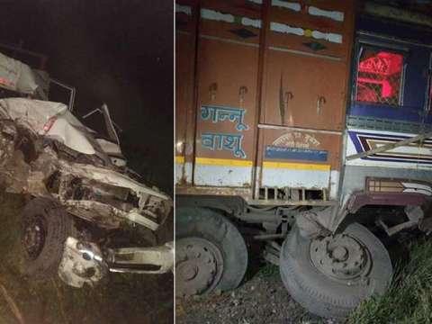 छत्तीसगढ़ में भीषण सड़क हादसा, ट्रक ने बिजली कंपनी की गाड़ी को टक्कर मारी